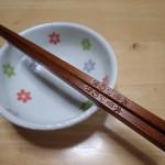 転がらない「木曽のひのき箸」は便利!